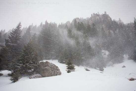 Péntek déltől szombat délutánig: eső, havazás, erős szél