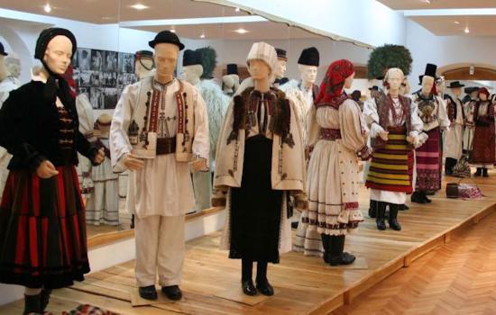 És a vegyes házasságban élő magyarok hova álljanak?