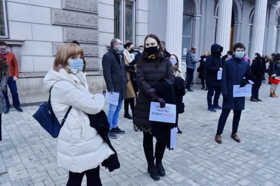 Szolidaritási tüntetés a királyi ügyben elítélt ügyvédért