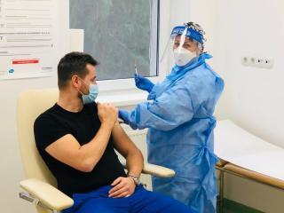 Cîţu: szeptemberig 10,4 millió személy kellene megkapja meg a koronavírus elleni oltást