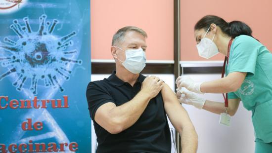 Beoltották Klaus Iohannis államfőt