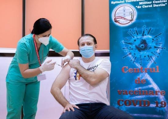 A miniszterelnöknek is beadták a koronavírus elleni oltást