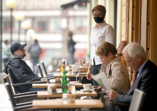 Harminc százalékos nyitás Bukarestben