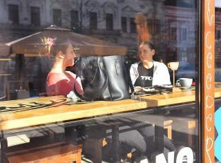 Óvatos beltéri nyitás a kolozsvári vendéglőkben, kávézókban