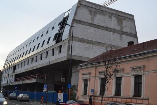 """Boc: Bukarest a kolozsvári önkormányzatot megkerülve engedélyezte a """"koporsó-hotelt"""""""