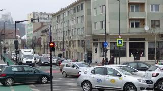 VIDEÓ - Továbbra is zsúfolt a forgalom a Szent György téren