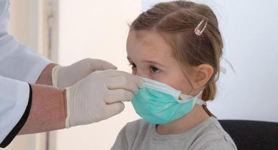 Megugrott a fertőzésszám és nő a fertőzések aránya a gyermekek körében
