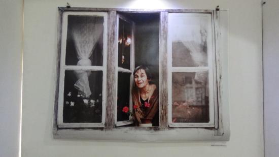 VIDEÓ - Kiállítás Doina Cornea személyes tárgyaiból, a róla készült fotókból