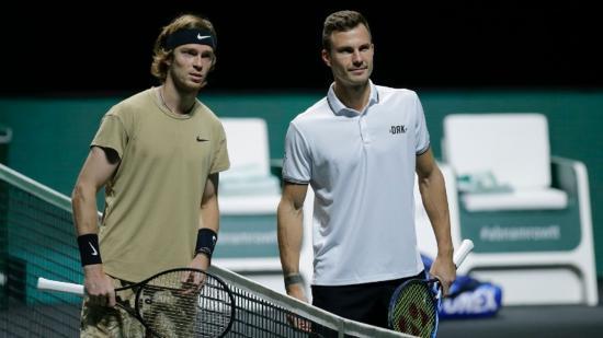 Magyarok és románok miami tenisztornán