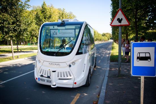 Egy lépéssel közelebb az önvezető buszokhoz Kolozsvár