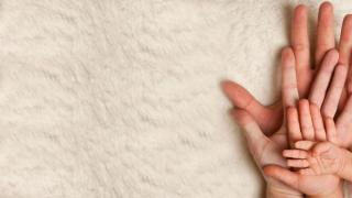 Négyen a nagyágyon: A mantrázás ereje