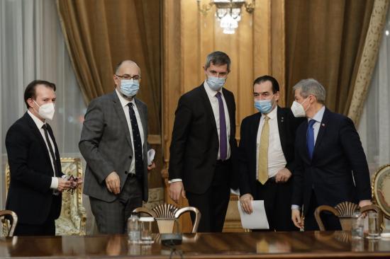Ma folytatják a kormánykoalíció válságtanácskozását