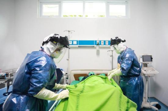 Rekordszámú koronavírus-fertőzött hunyt el egy nap alatt