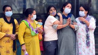 Katasztrofális a járványhelyzet Indiában, nem lassul a vírus terjedése