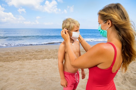 Cîțu: Június 1-jétől nem kötelező a maszk a tengerparton