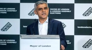 Ismét Sadiq Khant választották London polgármesterévé