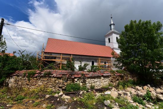 Régészeti ásatás a sztánai református templomnál