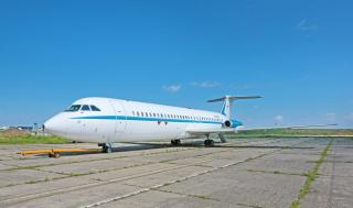 Elárverezték Nicolae Ceauşescu egykori repülőgépét és limuzinját