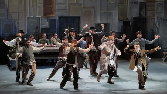 Kolozsvári színház – Hegedűs a háztetőn és Állatfarm júniusban