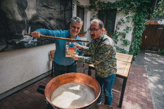 Irodalommal fűszerezett erdélyi lakoma a Bulgakovban