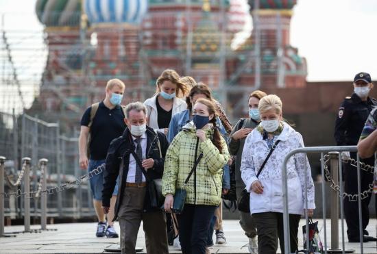 Oroszországban ismét 13 ezer fölé emelkedett az új fertőzöttek száma, szigorítások Moszkvában