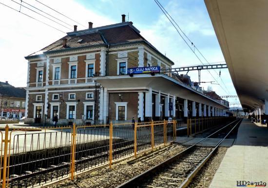 RMDSZ: Háromnyelvű helységnévtáblát az állomáson is!