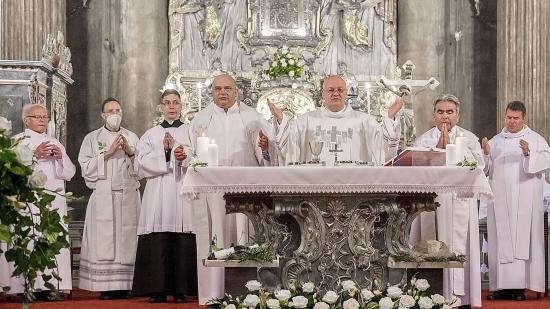 Emlékezetes ezüstmise Kolozsváron – huszonöt éve szentelték pappá László Attilát