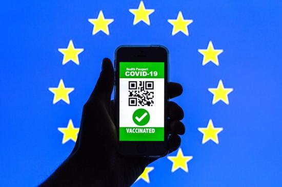 Július elsejétől kaphatjuk meg az uniós COVID-igazolványt