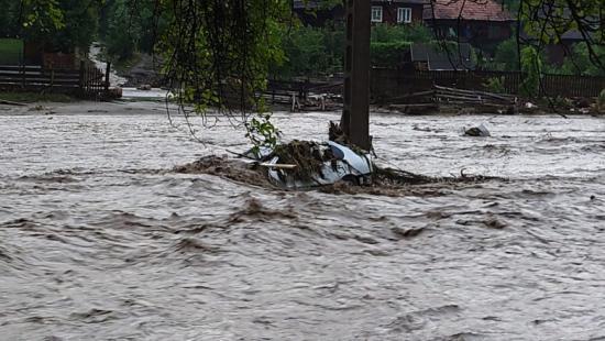 Cîțu: rögzített összegű támogatásban részesülnek az árvízkárosultak