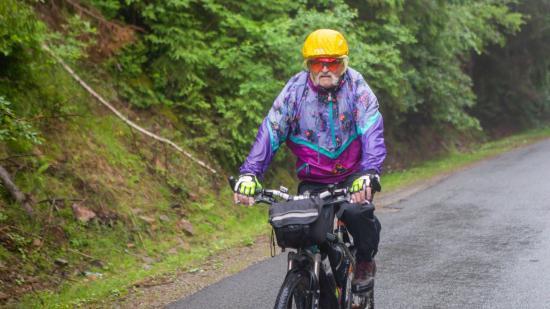 Vasvári bringatúra zuhogó esőben hősies kitartással