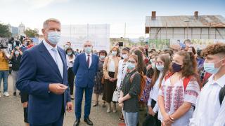 Iohannis: rajtunk múlik, meddig maradhatnak nyitva az iskolák