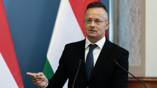 Szijjártó Péter felajánlotta Magyarország segítségét Romániának a konstancai kórháztűz miatt