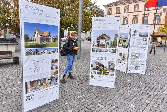 BATRA-kiállítás Kolozsvár Főterén